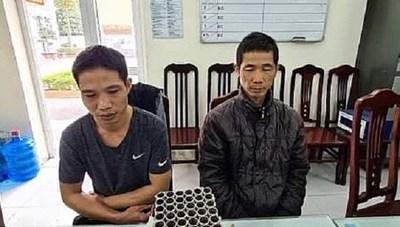 Hà Nội: Xử phạt 3,5 triệu 2 anh em đốt pháo hoa nổ