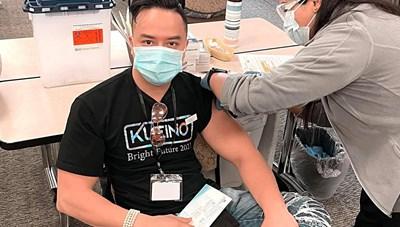 'Sao' Việt trong ngày: Cao Thái Sơn chia sẻ trải nghiệm tiêm vaccine ngừa Covid-19 tại Mỹ