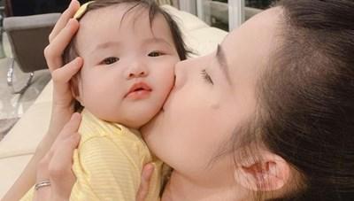 'Sao' Việt trong ngày: 'Công chúa quyền lực' Winnie ngày càng lộ vẻ đáng yêu hết nấc