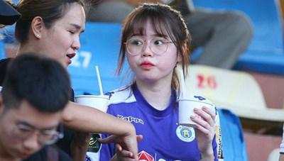 Bạn gái của Quang Hải hủy trạng thái hẹn hò