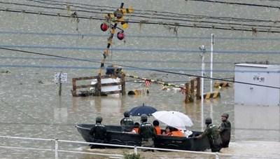 Gần 40 người có thể chết vì lũ lụt ở Nhật