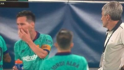 Barcelona xuống dốc có phải lỗi của Lionel Messi?