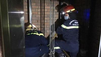 Nhân viên bảo trì tử vong khi sửa thang máy