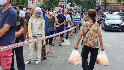 Hà Nội: Bánh trung thu truyền thống chưa 'hạ nhiệt'