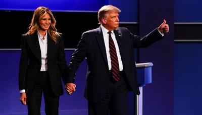 Ông Trump cùng vợ tự cách ly sau khi cố vấn thân cận mắc Covid-19