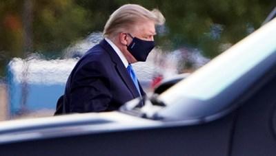 Tổng thống Trump có trở thành nguồn 'siêu lây nhiễm' Covid-19?