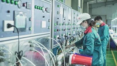 Chuyên gia kinh tế Phạm Chi Lan: Đã đến lúc phải mở cửa nền kinh tế