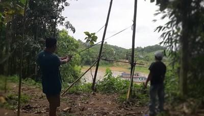 Tuyên Quang: Bức xúc, dân chế 'súng' chống cát tặc