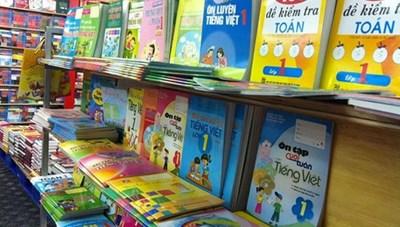 Lạm thu, loạn sách tham khảo và những câu chuyện học đường