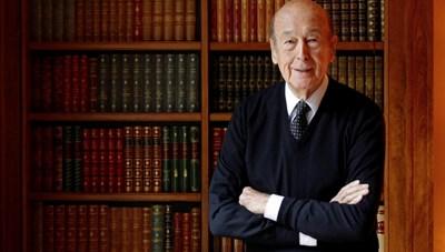 Cựu Tổng thống Pháp Valery Giscard D'Estaing qua đời vì Covid-19 ở tuổi 94