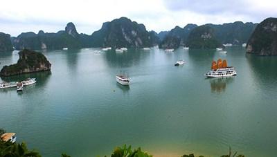 Quảng Ninh miễn giảm giá vé tham quan