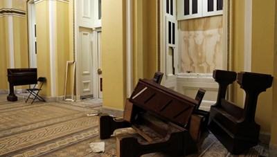 [ẢNH] Điện Capitol 'ngổn ngang' sau cuộc biểu tình