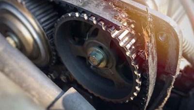Nguyên nhân ô tô phát sinh mùi khí thải khó chịu