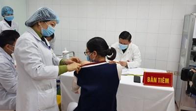 Sức khỏe của các tình nguyện viên tiêm vaccine liều cao nhất 75mcg ổn định