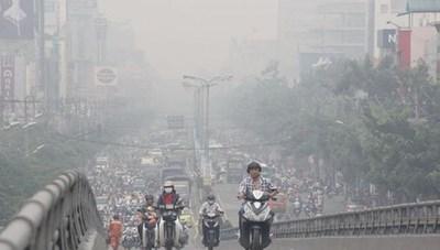 Không khí Hà Nội ô nhiễm nặng ảnh hưởng sức khỏe người dân