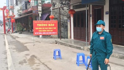 Lập 9 chốt chặn tại chùa Hương, yêu cầu du khách quay lại
