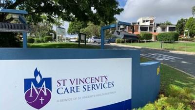 Tiêm vaccine Covid-19 quá liều, hai người Australia nhập viện