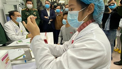 Vaccine ngừa Covid-19: Hà Nội đặt mục tiêu 95% người dân trên 18 tuổi được tiêm