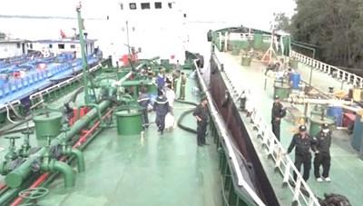 Đồng Nai: Bắt giữ 2 thuyền trưởng bỏ trốn trong vụ án buôn lậu xăng giả 