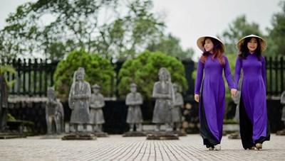 Di tích cố đô Huế miễn phí tham quan với khách mặc áo dài truyền thống