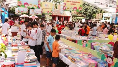 Tổ chức Ngày Sách Việt Nam lần thứ 8