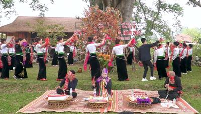 Độc đáo Lễ hội Hết Chá