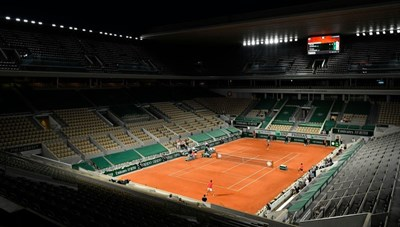Nadal có 101 chiến thắng, Djokovic đi vào lịch sử Roland Garros
