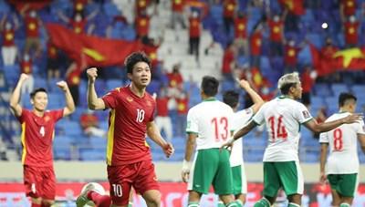 Đội tuyển Việt Nam và UAE đua song mã, Thái Lan đón nhận bi kịch