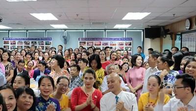Nguyên 'dàn lãnh đạo' Trung tâm Y tế huyện tham gia CLB Tình Người