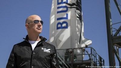 Chi bao nhiều tiền để được bay lên vũ trụ cùng người giàu nhất hành tinh?