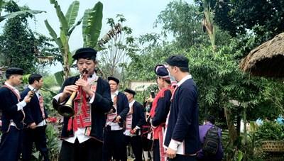 Làng Văn hóa - du lịch các dân tộc Việt Nam đón khách tham quan trở lại