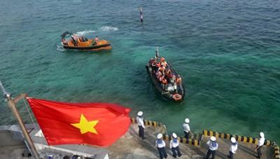 Quay đầu vào bờ để Biển Đông lặng sóng