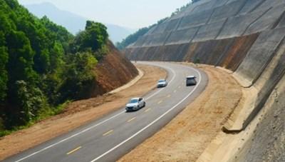 Không để đẩy giá dự án cao tốc Cam Lộ - La Sơn