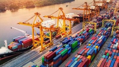 Hàng hóa qua cảng biển tăng