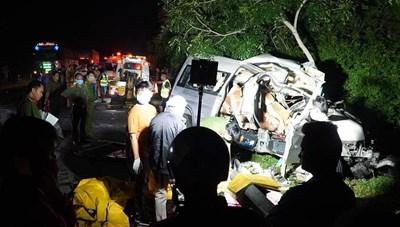 Khẩn trương điều tra làm rõ nguyên nhân vụ tai nạn thảm khốc tại Bình Thuận