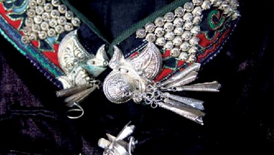 Nét tinh tế trong trang phục  phụ nữ Nùng Dín