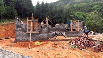 Quảng Ninh: Hỗ trợ gia đình khó khăn xây dựng nhà cửa