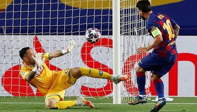 Messi rực sáng, Barcelona hạ Napoli, vào tứ kết Champions League