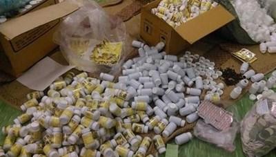 Truy tố 3 chị em sản xuất, buôn bán thuốc, thực phẩm chức năng giả