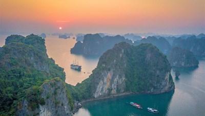 Vịnh Hạ Long xếp thứ 6/30 điểm ngắm hoàng hôn đẹp nhất