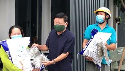 Quảng Bình: Giúp nhau vượt qua đại dịch