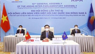 AIPA 42 thông qua nhiều nghị quyết và ký Thông cáo chung