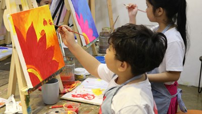 Tổ chức không gian sáng tạo trực tuyến cho trẻ em