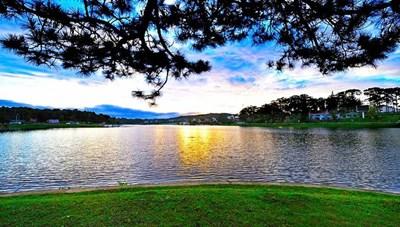 Thăm hồ Xuân Hương