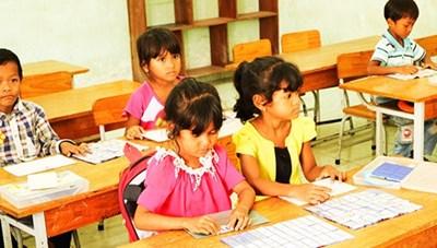 Dạy tiếng Việt cho trẻ em dân tộc thiểu số