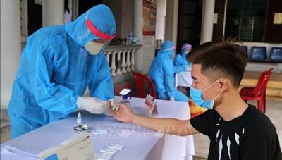 Quảng Trị: Xét nghiệm cho tất cả tiểu thương ở chợ
