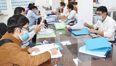 Từ 1/10, TP HCM cho phép người lao động tiêm đủ 2 mũi vaccine làm việc tại trụ sở