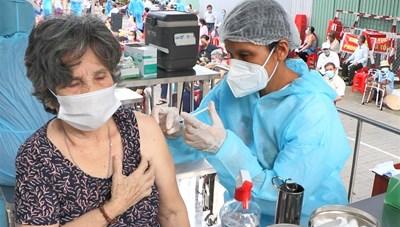Bộ Y tế trả lời về đề xuất rút ngắn khoảng cách tiêm mũi 2 vaccine AstraZeneca