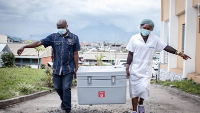Thiếu vaccine, châu Phi đứng trước nguy cơ bùng phát những biến thể Covid-19 mới