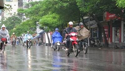 Hà Nội ngày nắng gián đoạn, mưa dông rải rác vài nơi